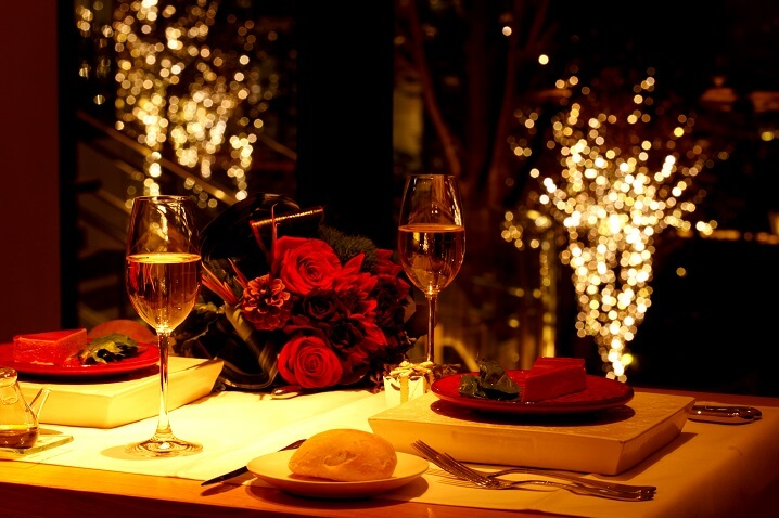 8 Most Romantic Restaurants in Delhi To Visit This Valentine's Day.
