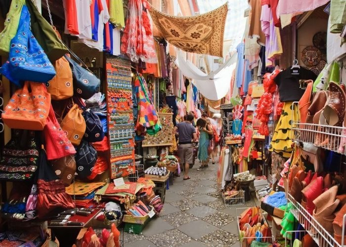 Top Flea Markets in India For Shopaholics