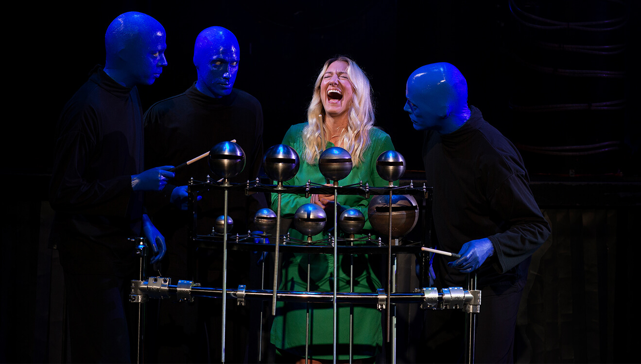 Things To Do On New Year's Eve In Chicago | Blue Man Group