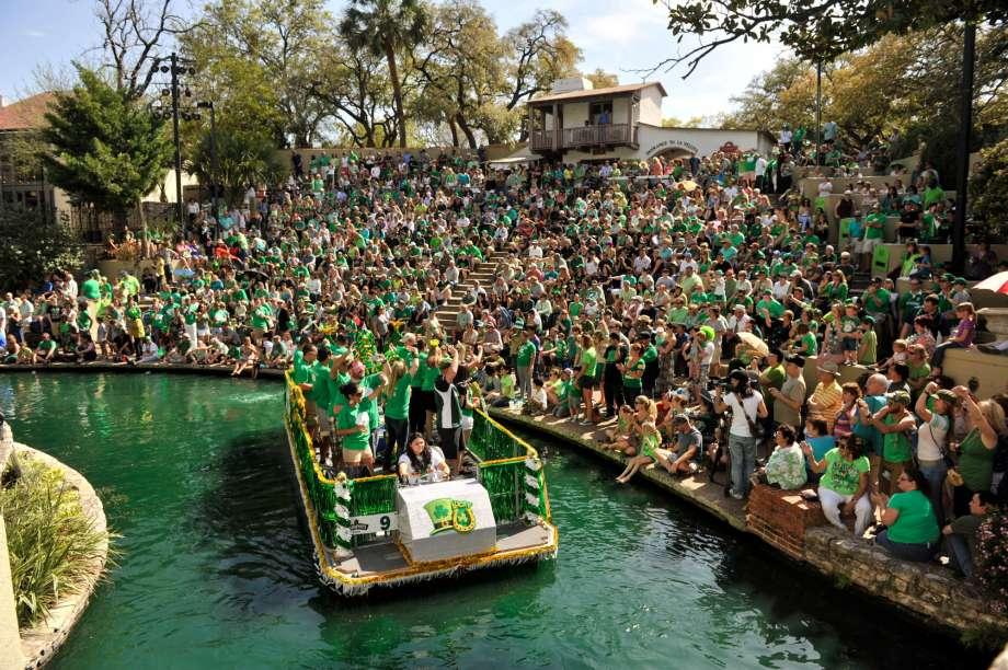 Sneak Peek Into St. Patrick's Day River Parade 2019