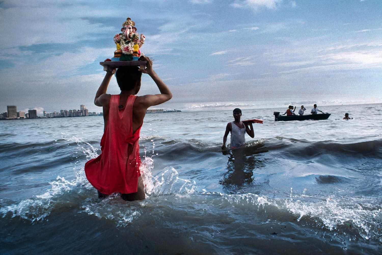 chowpatty beach mumbai | chowpatty beach on ganesh visarjan
